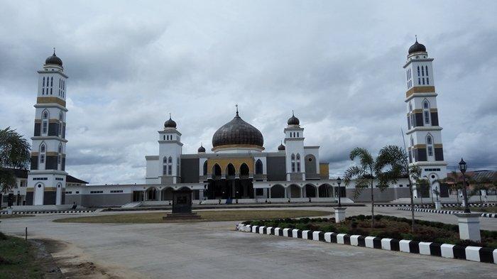 Adab-adab yang Dianjurkan Rasulullah SAW Saat di Masjid, Lengkap dengan Doa Masuk dan Keluar Masjid
