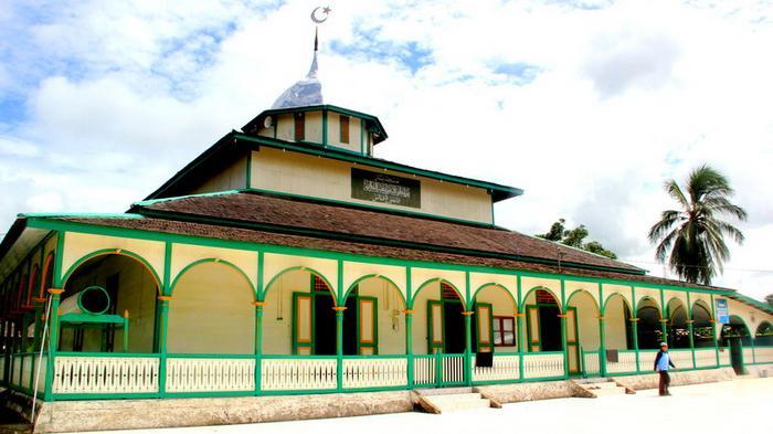masjid-jami-sultan-muhammad-kasimuddin_20150617_225703.jpg