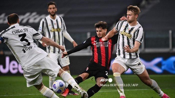 Laga Juventus vs AC Milan di Serie A musim lalu. Dan, inilah jadwal Liga Italia pekan ke-3: Big Match Napoli vs Juventus dan AC Milan vs Lazio.