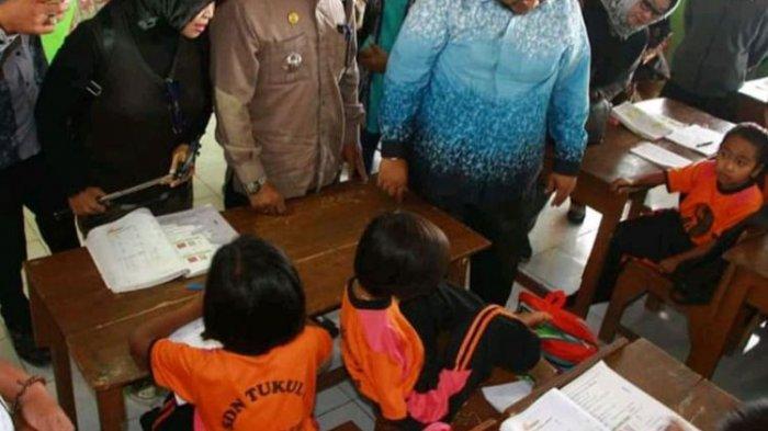 Mengenal Melisa Putri, Siswa SD Berprestasi Meski Menulis Hanya dengan Kaki