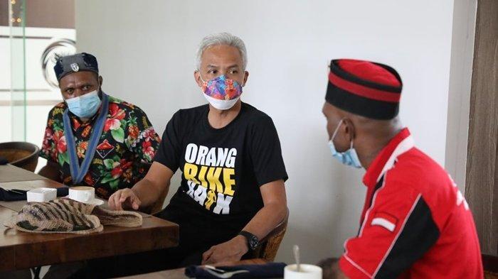 Datangi Hotel Tempat Ganjar Menginap, Aktivis Mahasiswa Sampaikan Papua-Jawa Tengah Adalah Saudara