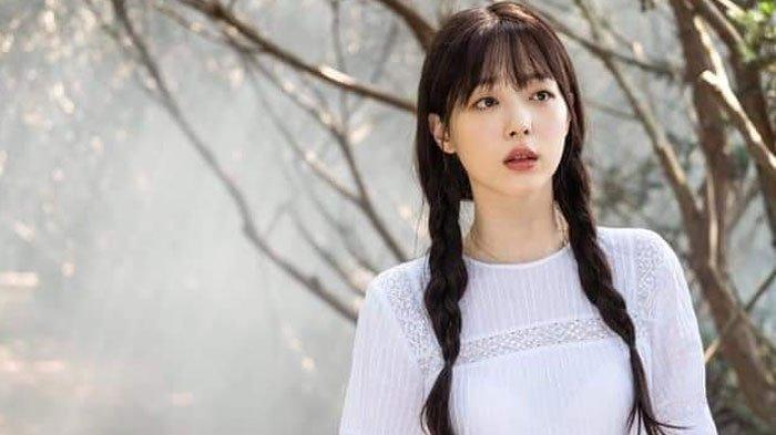 Mengenang Sulli di Hotel del Luna, SM Entertainment Konfirmasi Kematian Sahabat IU