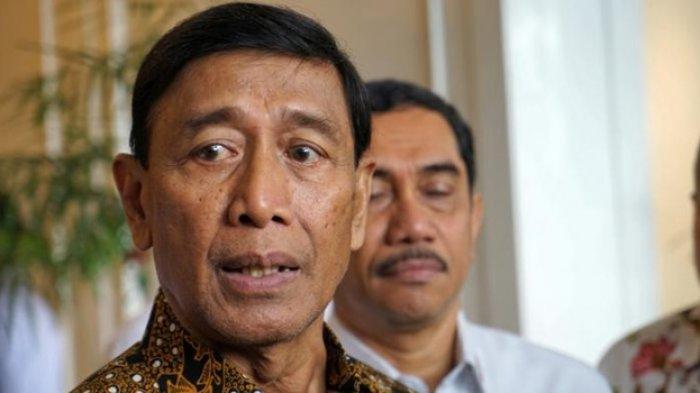 BREAKING NEWS Menko Polhukam Wiranto Ditusuk oleh Orang tak Dikenal