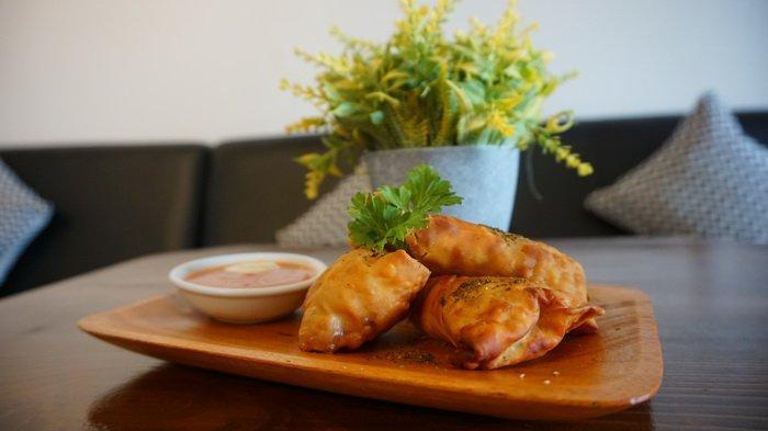Tak Hanya Kuliner Bali, LeAva Coffee & Eatery Juga Sediakan Western Food & Minuman Kopi Susu Buah