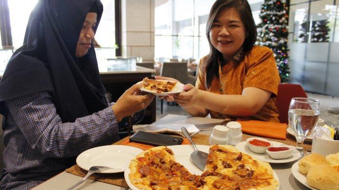 Lezatnya Pizza Rendang, Crispy Pizza, dan Roti Gembung Batubara hanya Tersedia di Sini