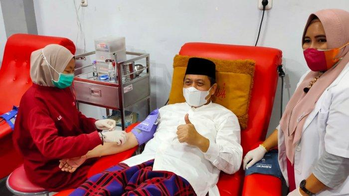 Ulang Tahun PMI, Wagub Kaltim Hadi Mulyadi Ikutan Donor Darah