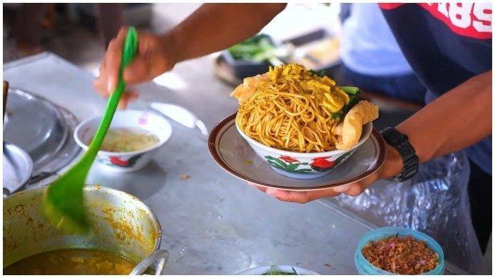 Berani Coba Mi Ayam Porsi Jumbo di Malam Sabrang Kinanthi, Tidak Habis Didenda Bayar Dua Kali Lipat