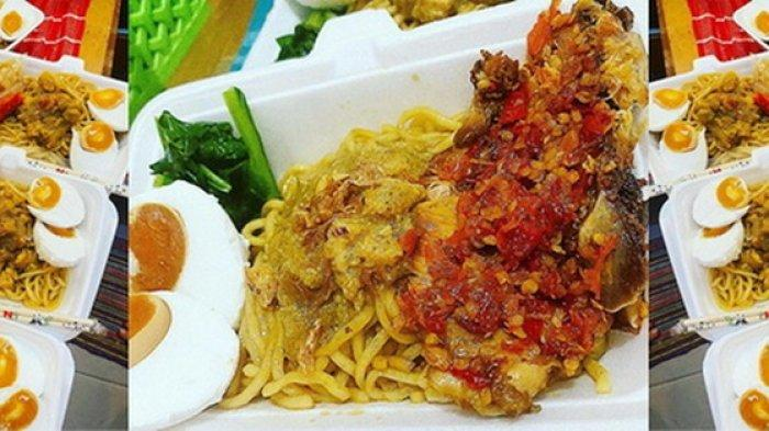 Menu utama Miyago, Mi Ayam Goreng di Kedai Miyago yang terletak di area Marimar, Mahakam Lampion Garden, Samarinda, Kaltim.