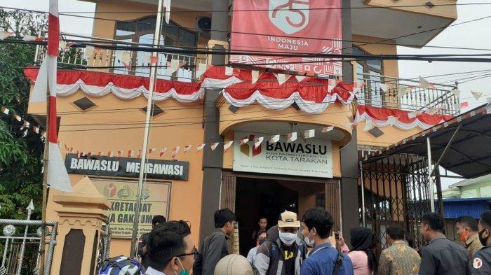 APK Paslon Dilindungi Selama Kampanye Pilkada, Bawaslu Tarakan: Pelaku yang Merusak Bisa Ditindak