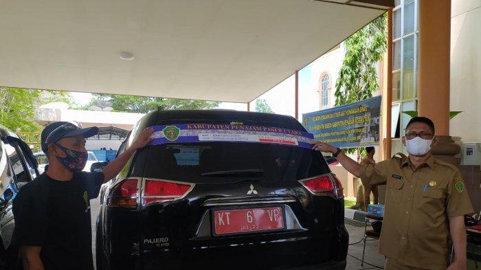 Amankan Aset Pemkab PPU, BKAD Lakukan Stikerisasi Mobil Dinas