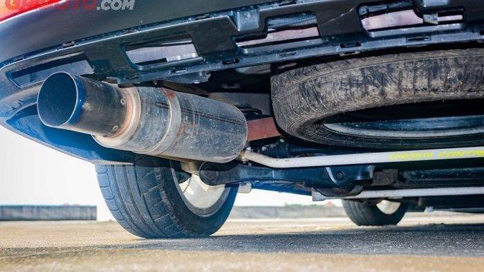 Moncong Knalpot Mobil Kerap Kali Terlihat Warna Hitam, Indikasi Komponen Ini Mulai Lemah