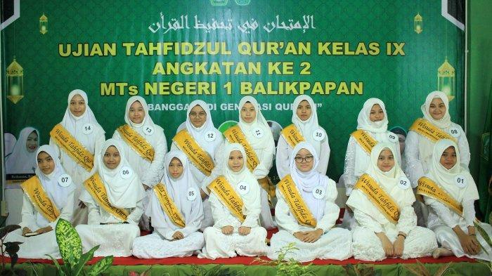 Tangis Haru Menandai Lulusan Tahfidz II MTs N 1 Balikpapan, Roihanun: Teruslah Jadi Penghafal Quran