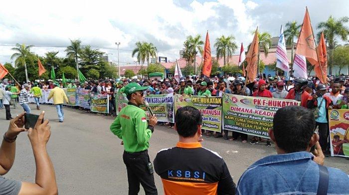 BREAKING NEWS Ribuan Buruh di Kabupaten Berau Gelar Aksi Unjuk Rasa