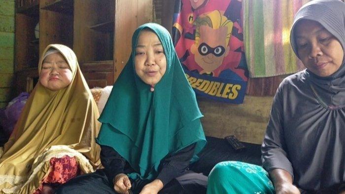 Viral, Kisah Rumah Acil Imur saat Banjir Bandang, Kini Banyak Dikunjungi, Tolak yang Minta Air Doa