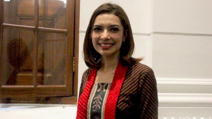 Biasanya Selalu Tampil Etnik, Intip Penampilan Najwa Shihab saat Kunjungi Lapas Sukamiskin