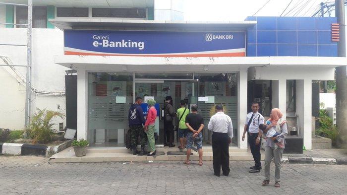 Kartu Atm Diblokir Ribuan Nasabah Balikpapan Datangi Bank Bri Halaman All Tribun Kaltim