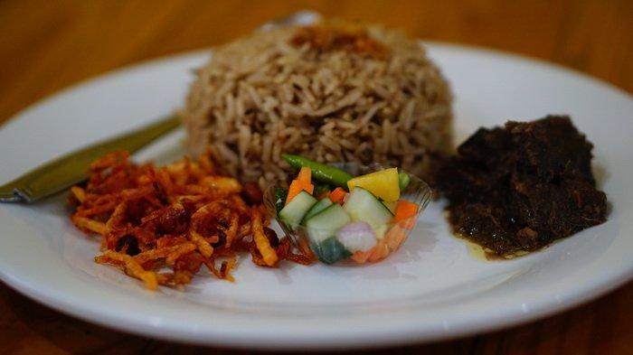 Nasi Kebuli Menu Spesial Bang Ahmad, Rasakan Manisnya Kismis Berpadu dengan Gurihnya Daging Domba