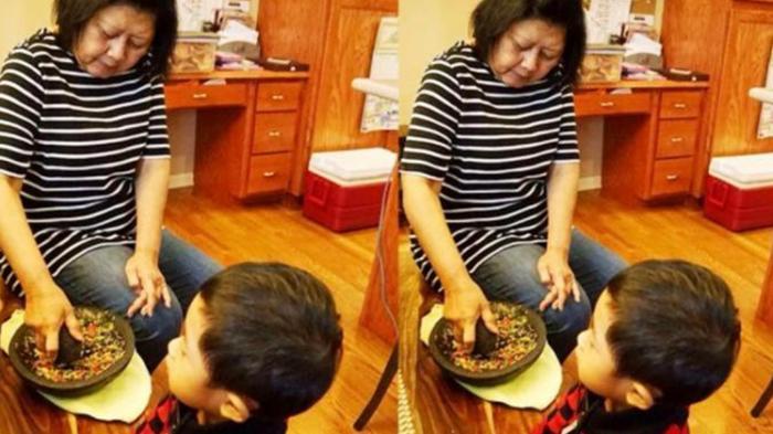 Foto Ani Yudhoyono Ngulek Sambel Buat Suami dan Anak Dipuji Netizen