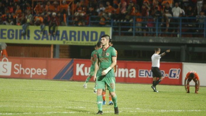 Abdul Rachman vs Kevin Gomez dalam Bek Sayap Kanan Borneo FC,Presiden Sebut Putra Kalimantan Timur