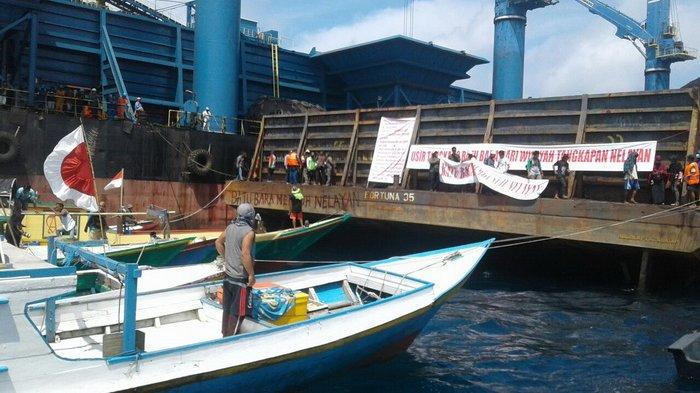 Diprotes Nelayan, Pihak Gunung Bayan Sebut Bongkar Muat Batu Bara Sudah Berizin