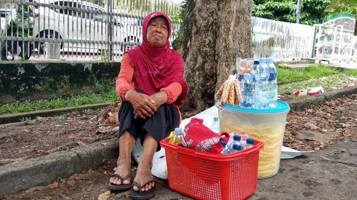 Nenek Sumini Pernah Diusir Saat Jualan dan Dagangannya Tak Dibayar, Ini Kisahnya