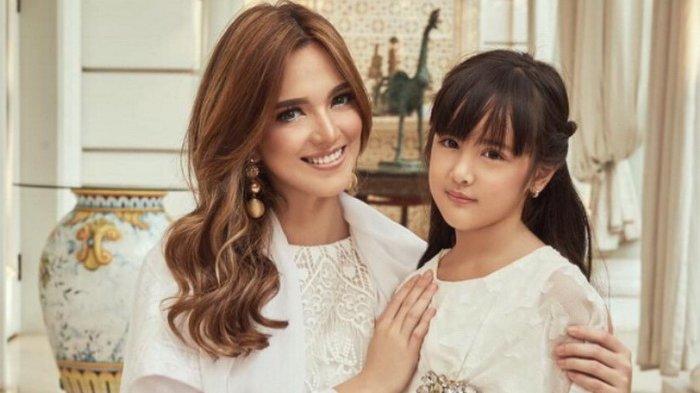 Biaya Sekolah Mikhayla Setengah Miliar, Nia Ramadhani Emosi Dengar Cita-cita Putri Ardi Bakrie