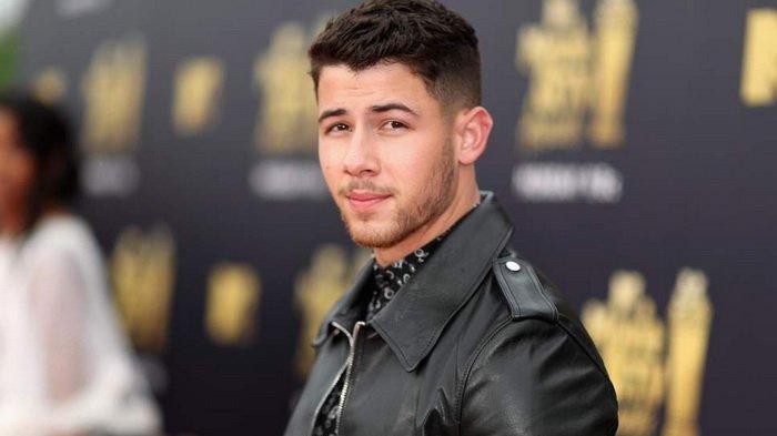 Jadi Pria Termodis 2018, Nick Jonas Kalahkan Ryan Reynolds