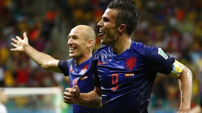 Bek Persib Bandung Kenang Pengalamannya Kawal Van Persie & Arjen Robben, Gawang Timnya Bobol 3 Gol