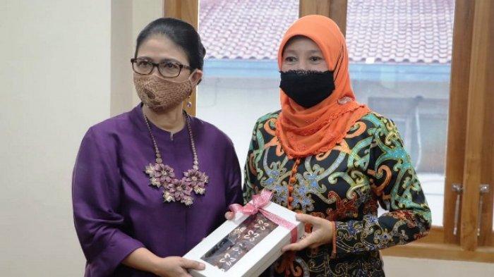 Pimpin Rombongan Kunjungi DIY, Norbaiti Isran Sebut Dekranasda Yogyakarta Sebagai Saudara Tertua