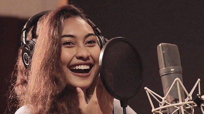 ALASAN Novia Bachmid Jebolan Indonesian Idol Lebih Suka Pacaran dengan Pria Bule