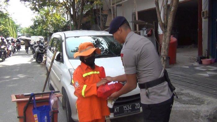 Sukses Pengamanan Perayaan Natal, Brimob Kaltim Kini Berbagi Ini ke Pasukan Orange Balikpapan Kaltim