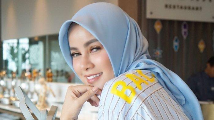 Olla Ramlan Terkaget Dengar Pertanyaan Anang Hermansyah saat Singgung Niat Buka Hijab