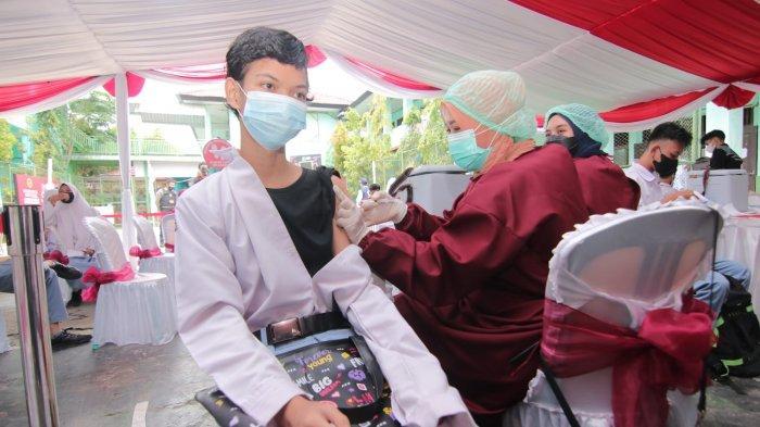 Vaksinasi Covid-19 Pelajar di Balikpapan, Presiden RI Jokowi Harap PTM Segera Terealisasi