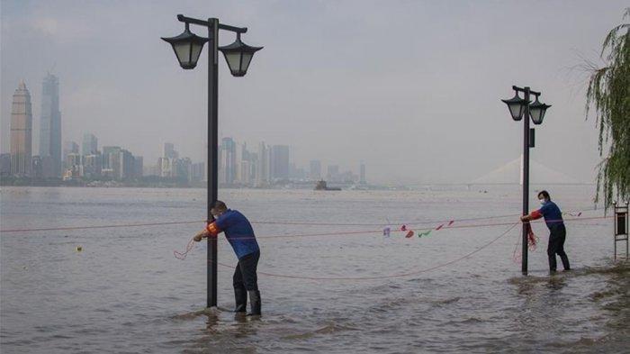 Keanehan Banjir Besar Wuhan Terkuak, Terjadi Saat Tim WHO Investigasi, Upaya Hilangkan Bukti Corona?
