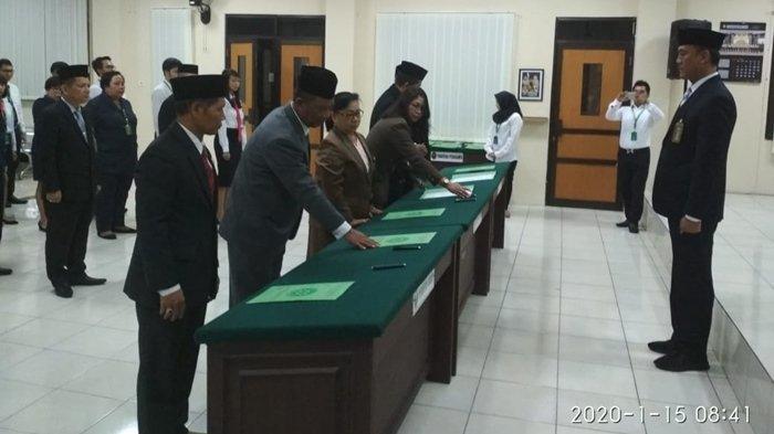 Hakim dan Pegawai Pengadilan Negeri Balikpapan Teken Pakta Integritas, JanjiTak Bertindak Koruptif