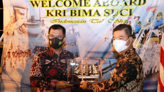 Mampir di Kota Tarakan, Pjs Gubernur Kaltara Apresiasi Malam Kesenian di KRI Bima Suci