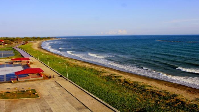 Jangan Lupa ke Pantai Marina BIla Jalan ke Bantaeng
