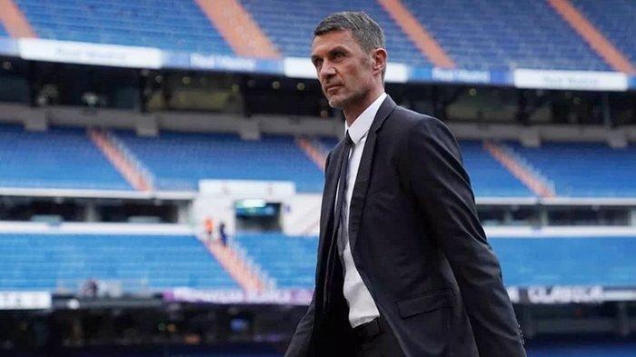 Berita AC Milan - Punya Peran Ganda, Paolo Maldini Pusing Pertahankan Calon Legenda Baru Rossoneri