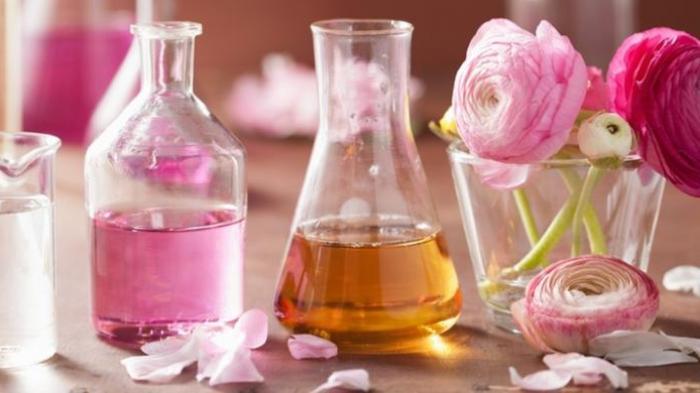 Ingin Tetap Wangi Sepanjang Hari, Perhatikan 4 Cara Menyemprotkan Parfume ke Tubuh