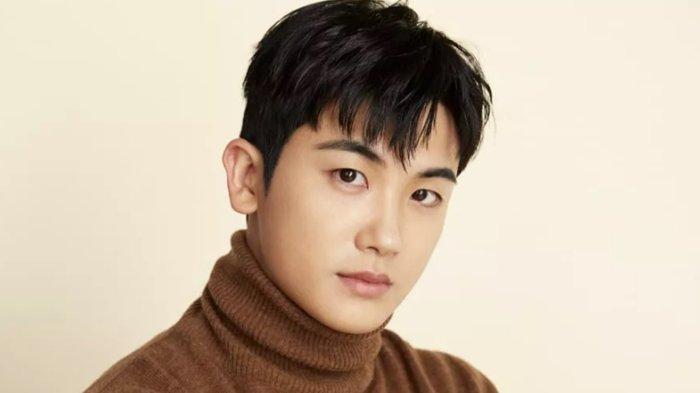 RESMI Tinggalkan UAA, Park Hyung Sik Gabung Agensi Baru Bersama Manajernya