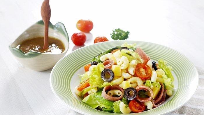 Salad Pasta Macaroni Lezat, Menu Makan Siang ala Restoran untuk Akhir Pekan