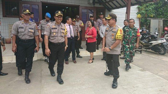 Kunjungi Gereja, Kapolresta Kombes Pol Arif Budiman Pastikan Keamanan Gereja Oikumene Samarinda