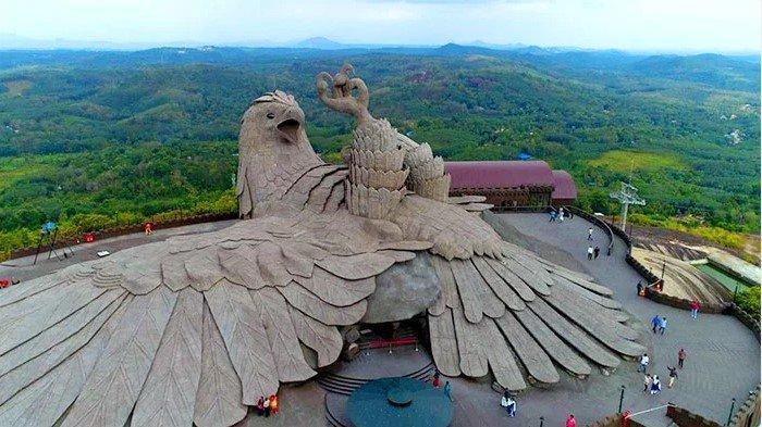 Menilik Keindahan Patung Burung Elang Raksasa di Dunia, Wajib Masuk di Daftar Travelling-mu