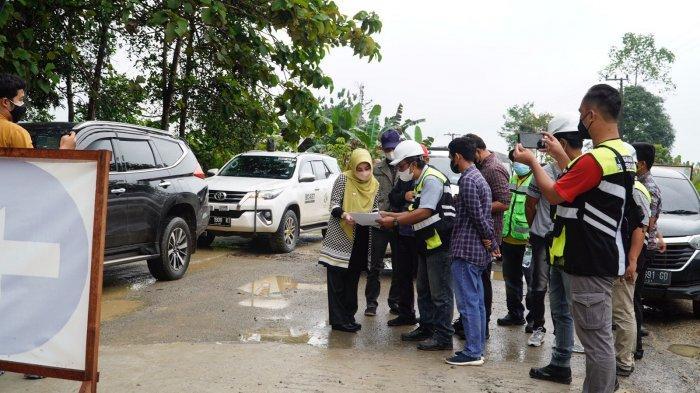 Bupati Sri Juniarsih Tinjau Jalan Pesisir Berau, Berharap Mempersingkat Akses ke Tanjung Redeb
