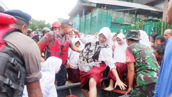 Disdikbud Liburkan Sekolah Terdampak Banjir, Sementara 6 SMP Terendam Air di Samarinda