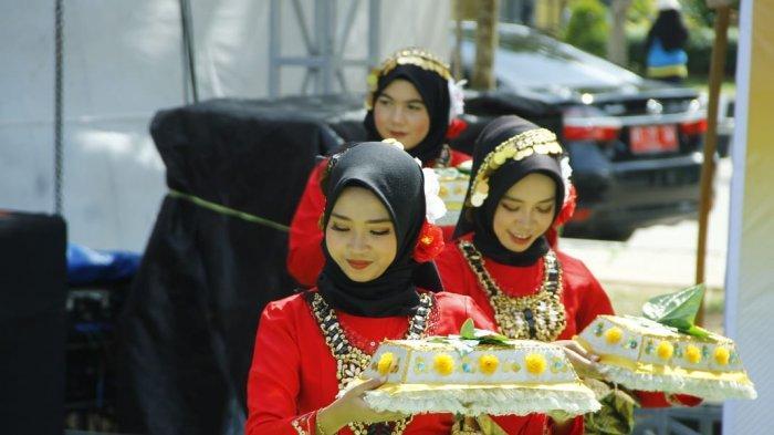 Tari Sekapur Sirih Jadi Pembuka Pelantikan Empat PAC KBB KT-KU Kutai Kartanegara