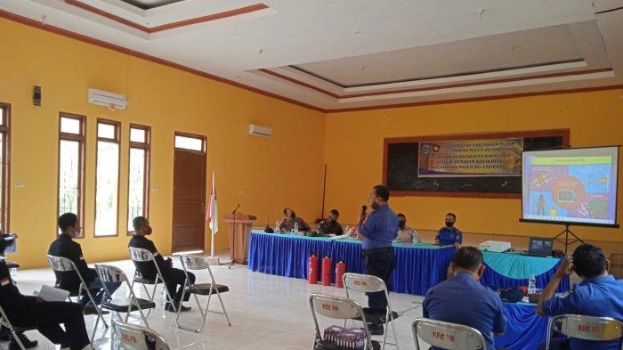 Damkar Paser Beri Pelatihan Peningkatan Kapasitas Petugas di Belengkong dalam Tangani Kebakaran