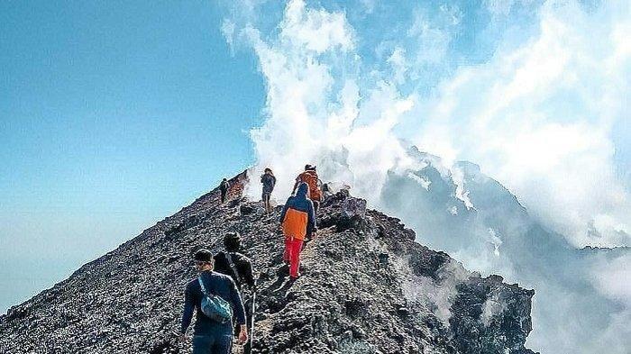 Status Gunung Slamet Naik Waspada, Begini Upaya Evakuasi 80 Pendaki yang Sempat Mendaki