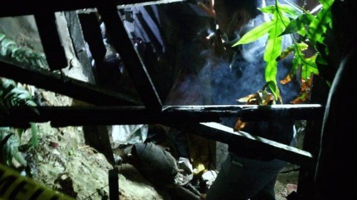 Breaking News - Bayi Tak Bernyawa Ditemukan Terkubur di Kolong Rumah, Diduga Sengaja Dikubur Ortunya