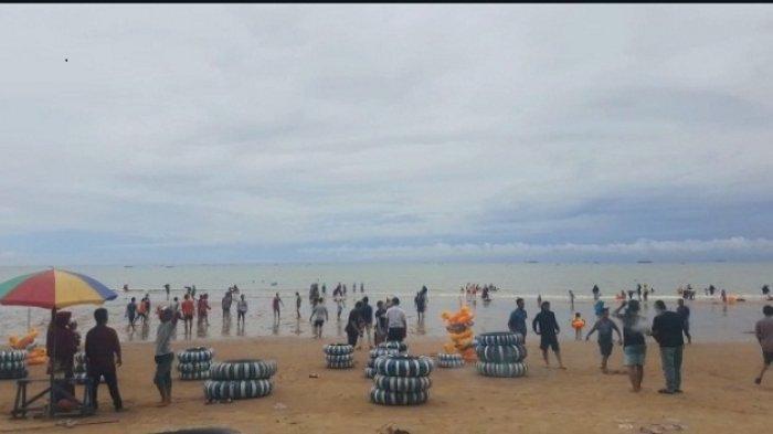 VIDEO - Basarnas Kaltimra Imbau Pengunjung Obyek Wisata tak Berenang Jauh dari Pinggir Pantai